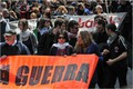 "Migliaia in corteo, pacifisti a Bagnoli  ""Stop the war"", ricordando Arrigoni"