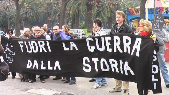Striscione delle Donne in Nero